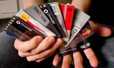 Для чего нужно иметь несколько кредитных карт