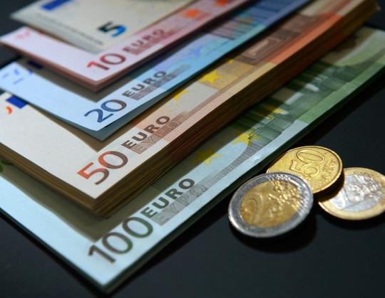 Италия ослабила евро