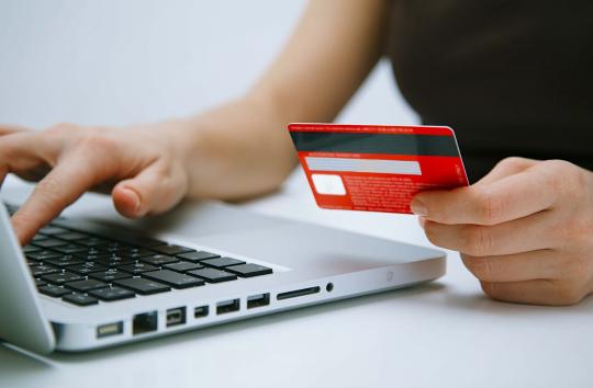 Как правильно оформить анкету и получить деньги в долг онлайн