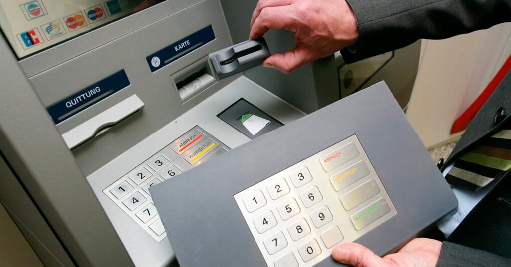 Риски скимминга банковских карт в РФ снижаются